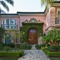 photos inside christina aguileras 13 5 million mansion PHOTOS: Inside Christina Aguileras $13.5 Million Mansion