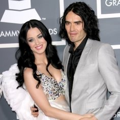 russell brand deported from japan katy perry not happy Russell Brand Deported From Japan, Katy Perry Not Happy