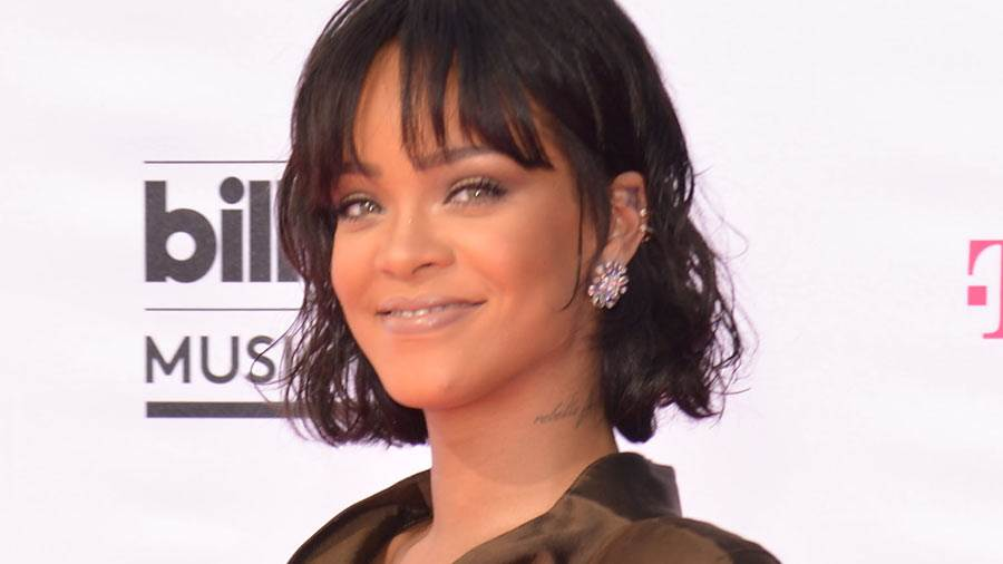 rihanna-2016-billboard-music-awards.jpg