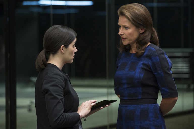 """Shannon Woodward and Sidse Babett-Knudson in """"Westworld"""" SOURCE: HBO"""