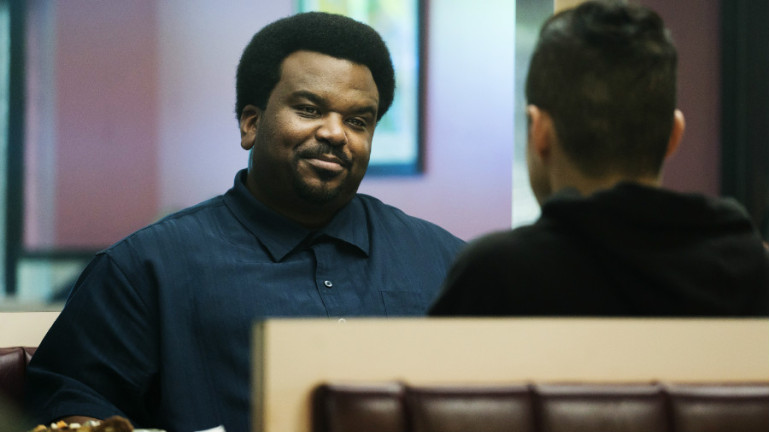 mr-robot-season-2-craig-robinson-ray