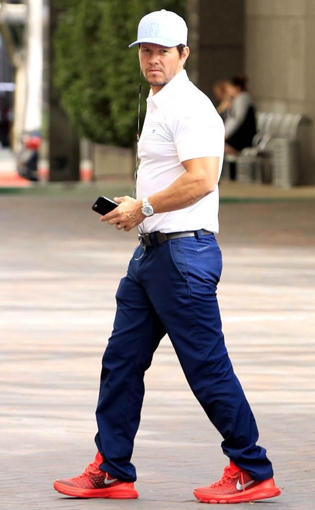 rs_634x1024-160122163826-634.Mark-Wahlberg-Nike-LA.ms_.012216.jpg