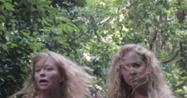 "Amy Schumer and Goldie Hawn Get in ""Formation"""