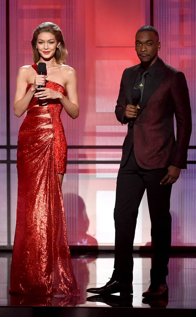 Gigi Hadid and Jay Pharoah's AMAs Opening Monologue Included a Melania