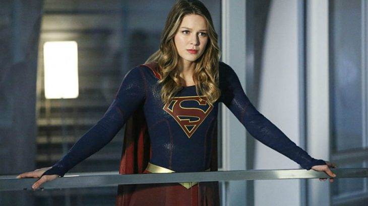 'Supergirl': Kara decides to kiss and run — to another earth?!
