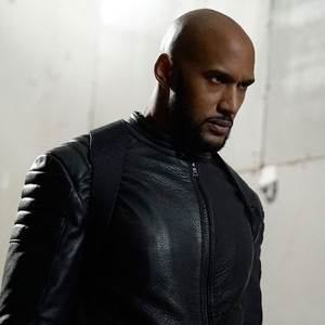 Agents of S.H.I.E.L.D.'s Henry Simmons Breaks Down That Major Mack Twist