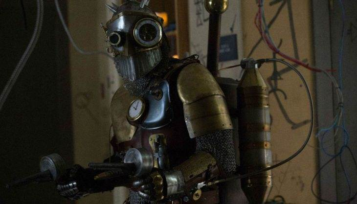 The tale of 'Dirk Gently' and the Steampunk Robocop