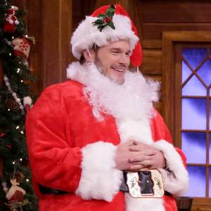 Chris Pratt Puts on a Santa Suit for Mad Libs With Jimmy Fallon