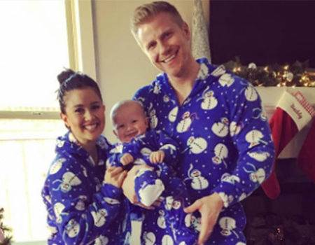 Kevin Hart, Sean Lowe and More Stars Spread Holiday Cheer in Matching Family