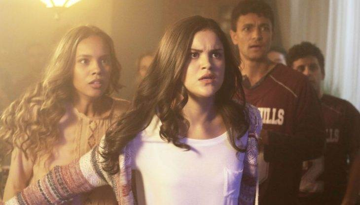 'Teen Wolf': Mama McCall steps up her game!