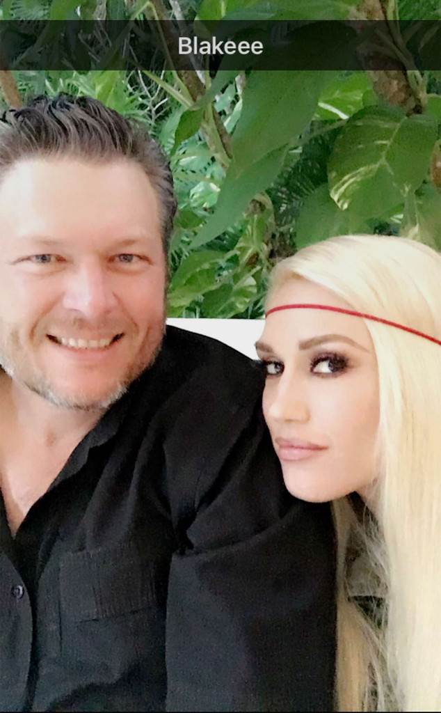 Gwen Stefani Joins Blake Shelton Onstage for Surprise Performance in Mexico