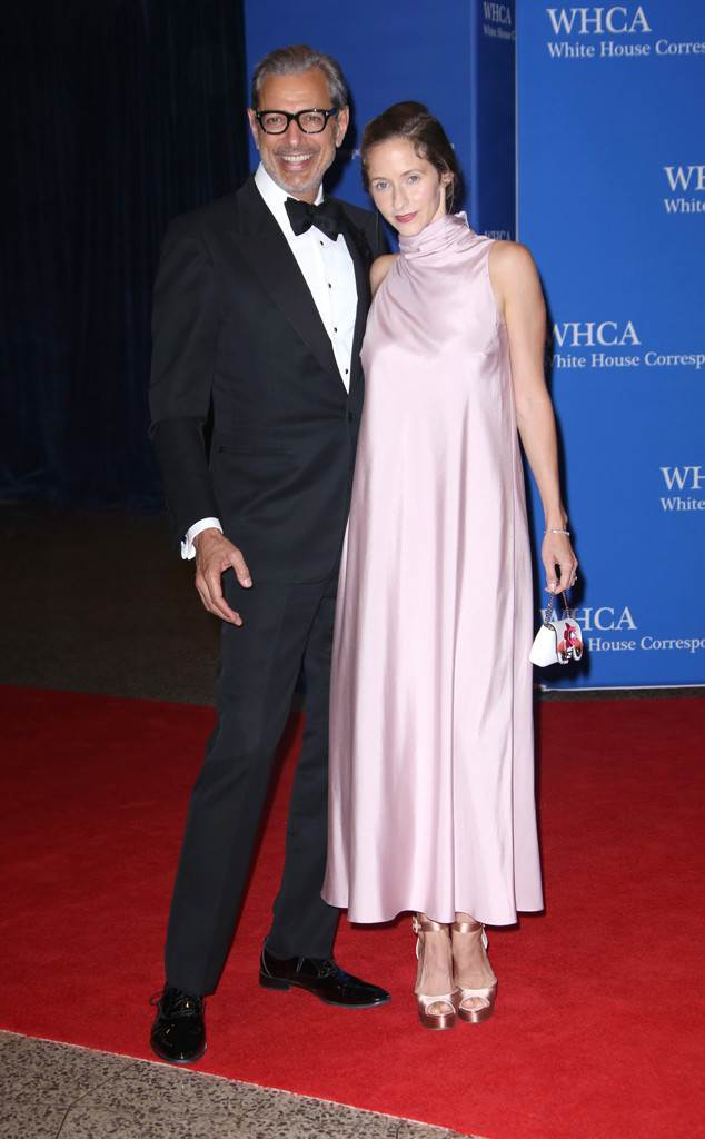 rs_634x1024-160430162058-634.Jeff-Goldblum-Emilie-Livingston-White-House-Correspondents-Dinner.tt_.043016.jpg