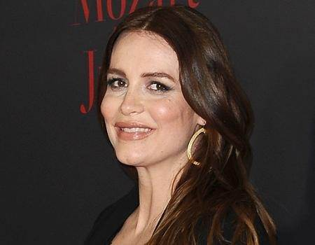Law & Order's Saffron Burrows Gives Birth to a Baby Girl