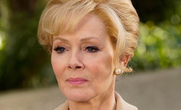 Jean Smart's Melanie Bird slows 'Legion's' roll & starts