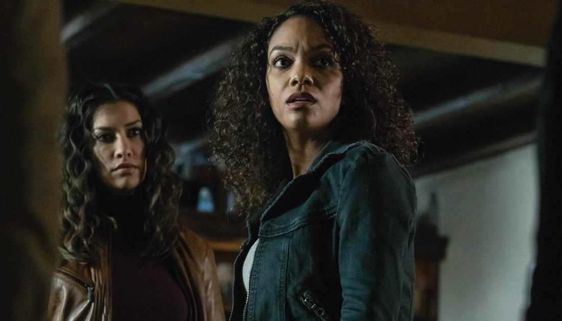 sleepy hollow 411 janina gavankar lyndie greenwood1 A new Witness & an old Horseman turn everything on Sleepy Hollow upside down    and fantastic?!