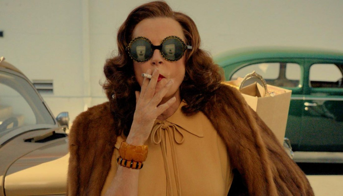 feud 102 susan sarandon fx The first episode of Feud: Bette and Joan proves that sometimes true life is campier than fiction
