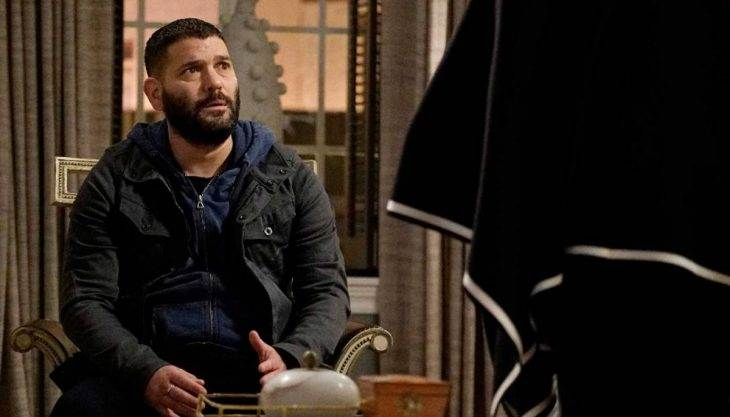 A few epic twists remind us how good Huck — and 'Scandal' — can be