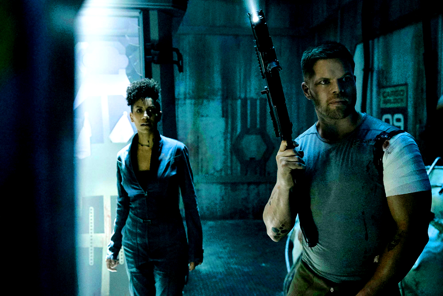 dominique tipper wes chatham naomi amos expanse syfy The ladies of The Expanse have decided to defect    in beautiful, and heartbreaking, ways