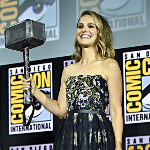Natalie Portman Thor's Hammer San Diego Comic Con 2019