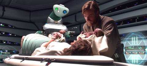 padme gives birth to luke and leia in star wars